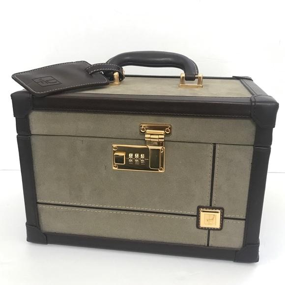 Diane Von Furstenberg Handbags - Diane von furstenberg makeup cosmetic case  trunk e36407dea4
